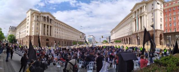В осмия ден на антиправителствен протест в центъра на София,