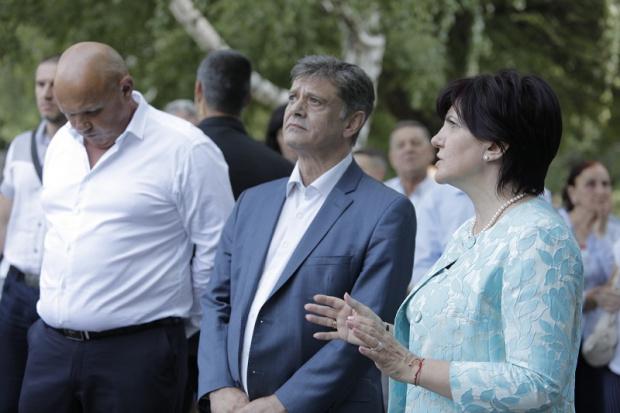 Румен Радев отдавна не е моят президент. Вместо да насърчава