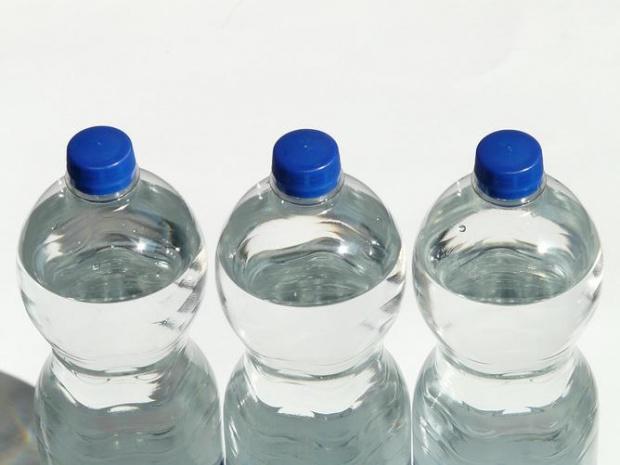 Заради очакваните горещини: Раздават безплатна минерална вода в столицата