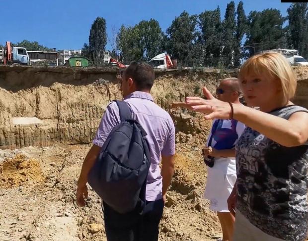 Новият стар столичен кмет Йорданка Фандъкова обеща, че ще има
