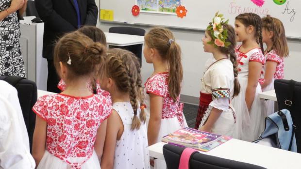 382 български неделни училища в чужбина за 15 септември