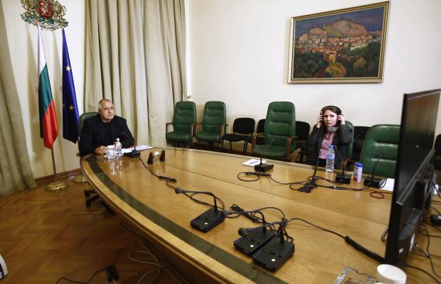 Мнения след полуоставката на Борисов