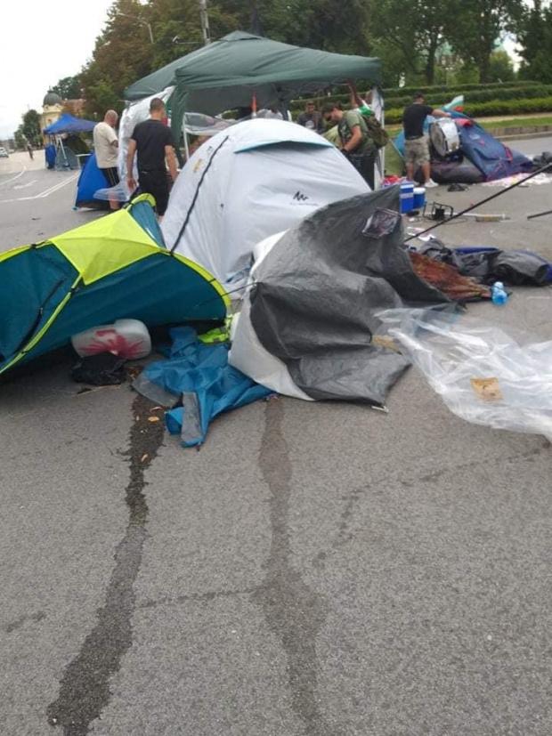 Буря в столицата в следобедните часове отнесе част от палатковия