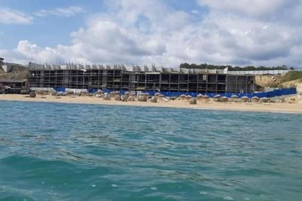 Природозащитници организират днес масово плажуване на плажа пред подпорната стена