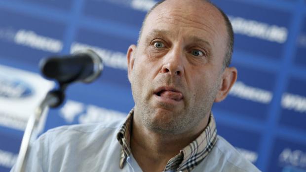 Тити призна: Заплатите в Левски са от пари на Стойне Манолов! Бих дал акциите в клуба на Пеевски