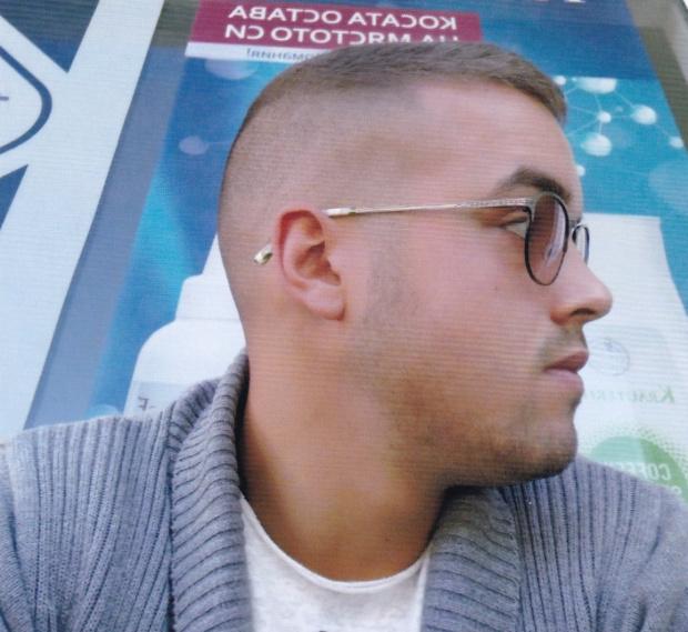 Столичното 7 РУ издирва Дарин Цветелинов Лазаров на 22 години