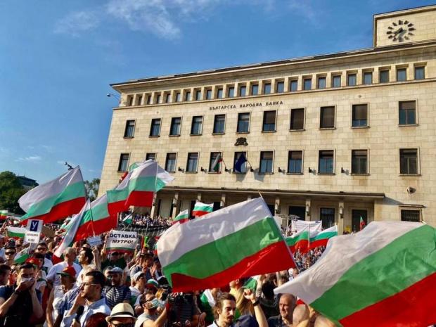 Движението на автомобили в района на Министерския съвет и президентството