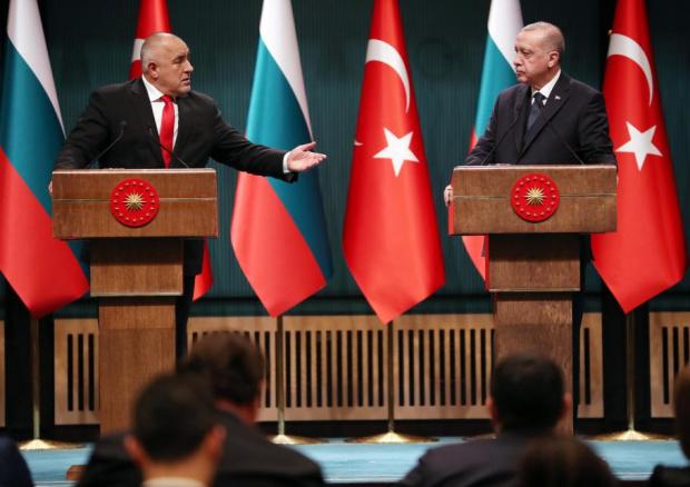 Шпигел има документи: Борисов е помагал на Ердоган да се разправя с членове на опозицията