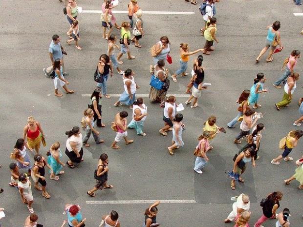 Масово ядене на яхния пред Министерството на труда в 71-вия ден на антиправителствени протести (ВИДЕО)