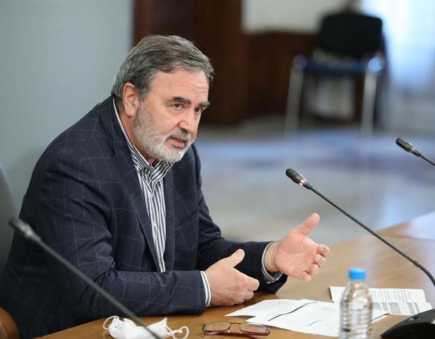 Ангел Кунчев: Вирусът си прави каквото поиска, отказахме се да правим прогнози