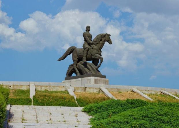 Президентът Румен Радев ще посети Добрич, където ще участва в