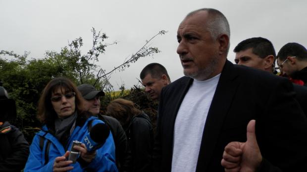 Борисов отново се качи на джипа: Не разбирам какъв е тоя зор за предсрочни избори