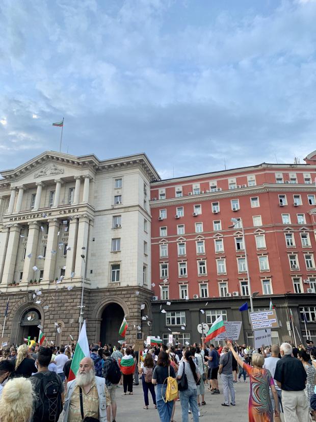 Ден 83: Протестът започна със слабо присъствие от страна на демонстрантите