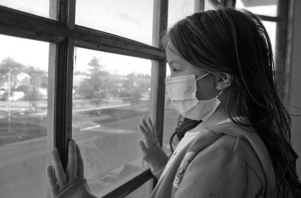 COVID-19 в училище: 100 деца и 99 учителя заразени от 15 септември насам