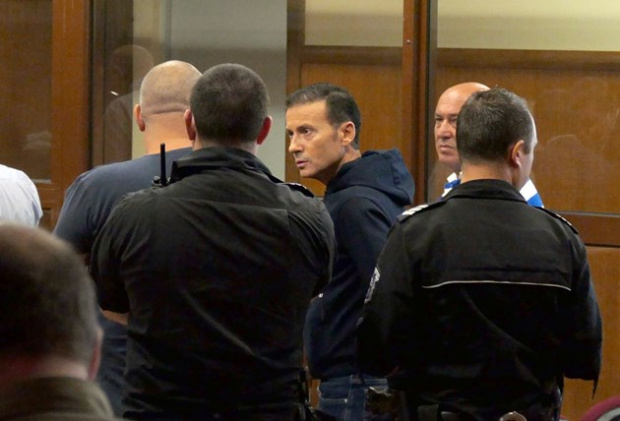Адвокати поискаха отвод на съдебния състав по делото за източване