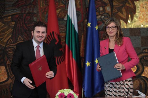 Вицепремиерът и министър на външните работи Екатерина Захариева препотвърди подкрепата