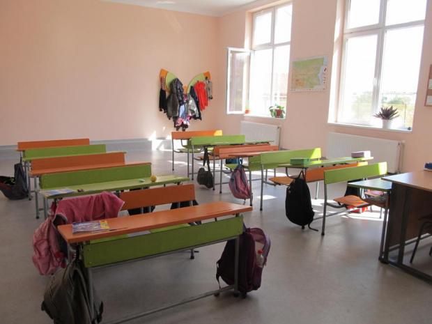Училищата в Търговище отново отварят врати