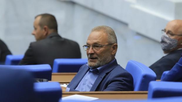 Ново разцепление в червените редици, още един депутат напусна парламентарната група на БСП