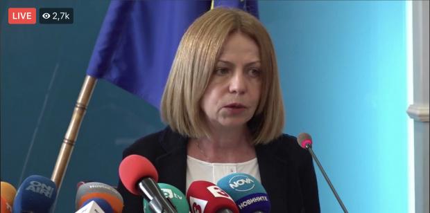 Фандъкова се закани на затвори нощните заведения и да прекрати протестите