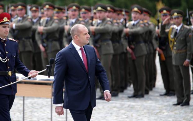 Президентът Радев с отрицателен тест и пожелание към Борисов