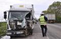 Възрастен загина при челен удар с ТИР