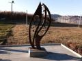 Сатанинска омраза към българите: Македонци счупиха паметника на удавилите се нашенци в Охридското езеро с кораба Илинден