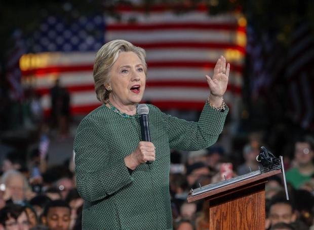 Байдън взима в екипа си Хилари Клинтън?