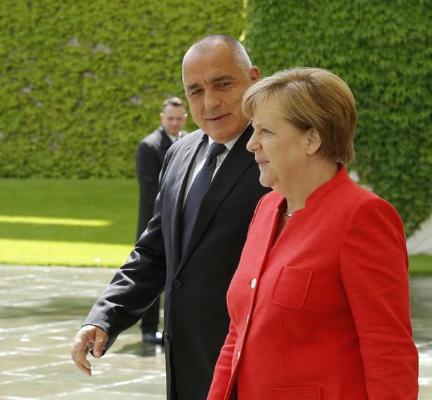Борисов и Меркел с телефонен разговор преди заседанието на евролидерите довечера