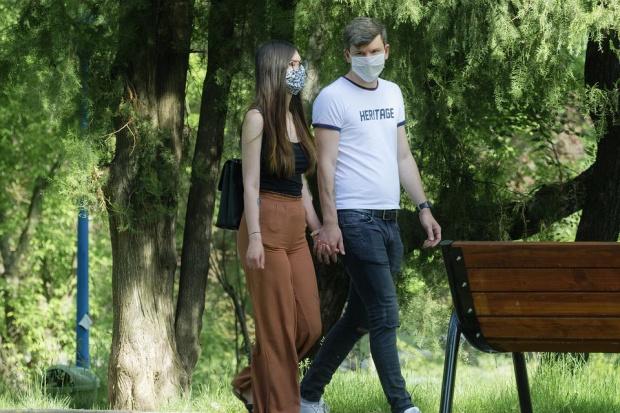 Главният US инфекционист: Дори и след ваксина маските може да останат