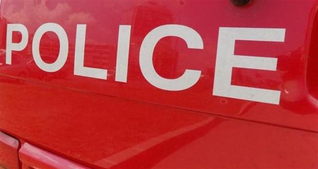 Хванаха 16-годишна, нападнала и обрала възрастна жена