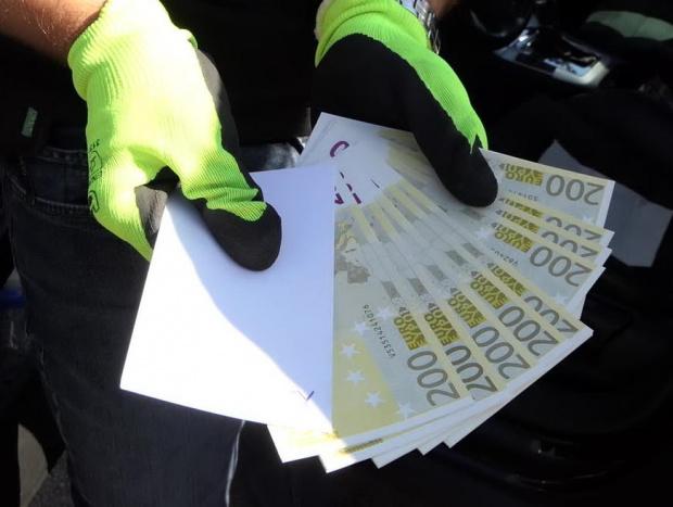 Проучване: Усвояването на европари върви ръка за ръка с корупцията, според 74% от българите