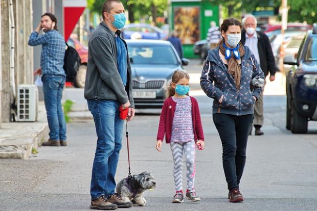 Какви помощи се полагат на родители на деца заради пандемията?