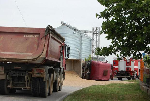 Три институции проверяват камионите дали цапат улиците и въздуха
