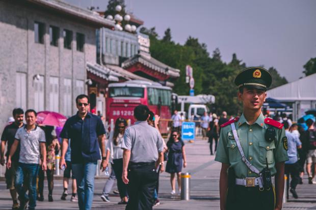 Жител на Китай, който на 27 юни духна сто свещички,