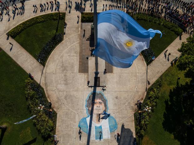 Диего Марадона си отиде от този свят малко след 60-ия