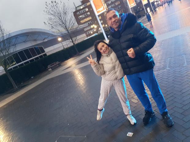 СНИМКИ Кобрата на среднощна разходка из Лондон, няма тежки поражения след отнесения бой