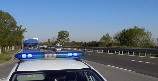 През идните почивни и празнични дни Пътна полиция ще засили
