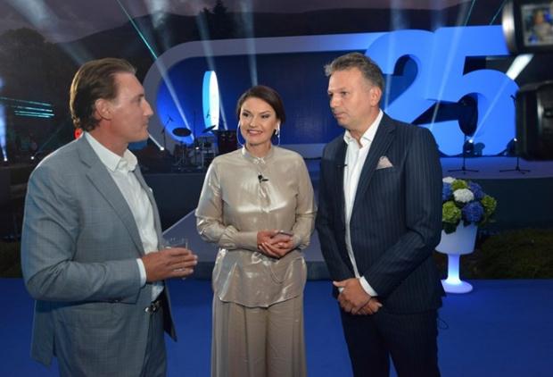 """Братя Домусчиеви продадоха """"Нова телевизия"""" на собственика на """"Виваком"""" - """"Юнайтед Груп"""""""