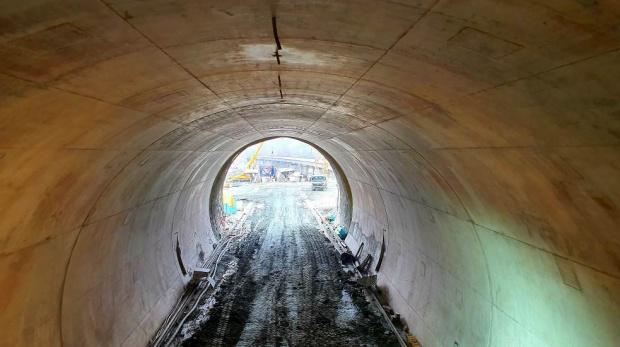 """АПИ: Напредва строежът на тунел """"Железница"""" на новата отсечка на """"Струма"""""""