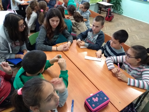 Учители алармират: Отварянето на школата от 4 януари ще доведе до трета вълна на заразата