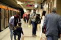 Френски медици: Не говорете в обществения транспорт, за да намалите разпространението на К-19