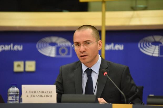 Джамбазки: Правителството в Скопие разиграва антибългарска карта и не заслужава ЕС