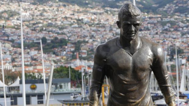 Кристиано Роналдо често е считан за един от най-великите футболисти