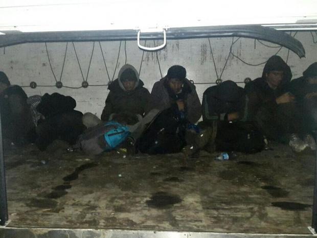 Седем чуждестранни граждани са били открити в товарното помещение на