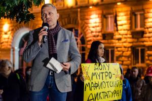 Адвокат Хаджигенов пред Novinite.bg: Майната им на политическите калъпи! Кабинетът оцеля временно, за да умре с ГЕРБ окончателно