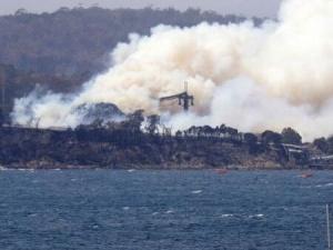 Ветроходни лодки за много пари изгоряха при мистериозен пожар в Приморско