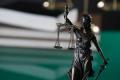 ВКС осъди себе си, Парламента и агенцията за приватизация за над 1 милион лева