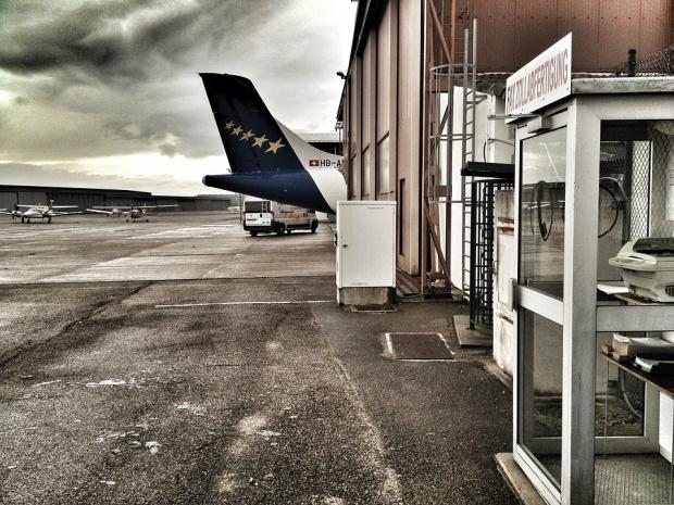 Кацащите на летището в Базел ще влизат в Швейцария, Франция и Германия само с отрицателен PCR