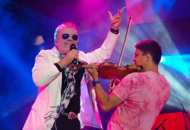 Властта тайно награди 65 звездни музиканти, поети и композитори с над 1 милион лева (ПЪЛЕН СПИСЪК)