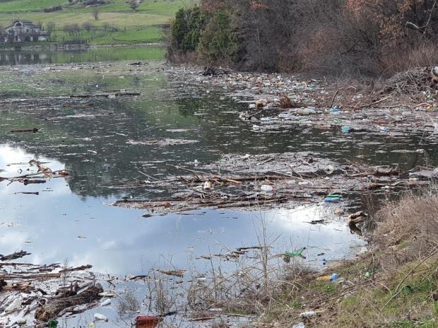 Цялото корито на река Струма от община Невестино до Бобошево